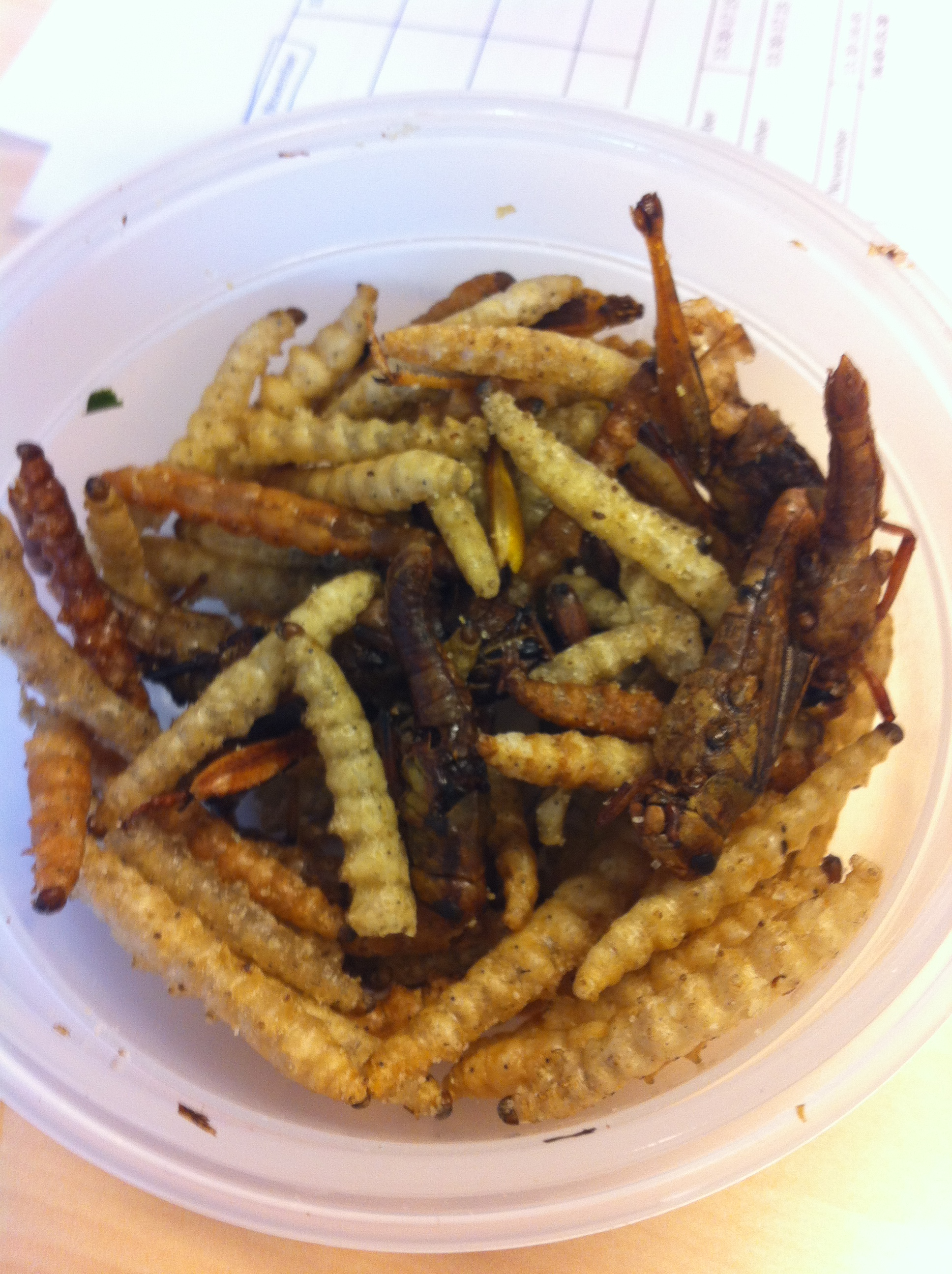 Mixed bugs for snacking